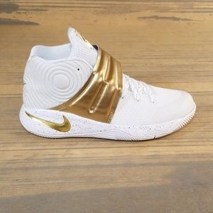 Nike Kyrie 2 Finals Gold Id